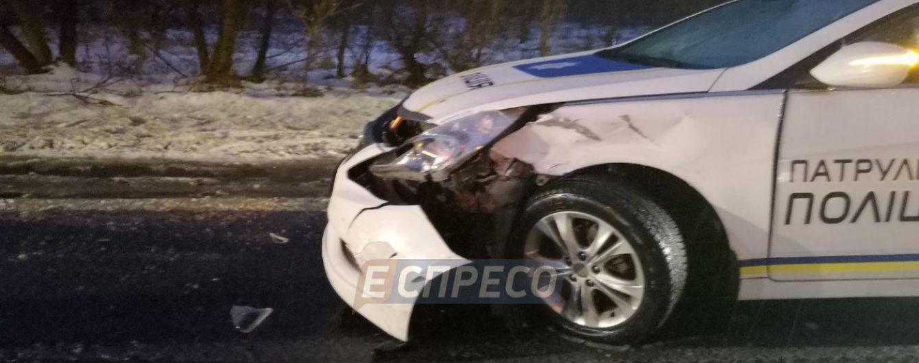 В Киеве столкнулись два патрульных автомобиля