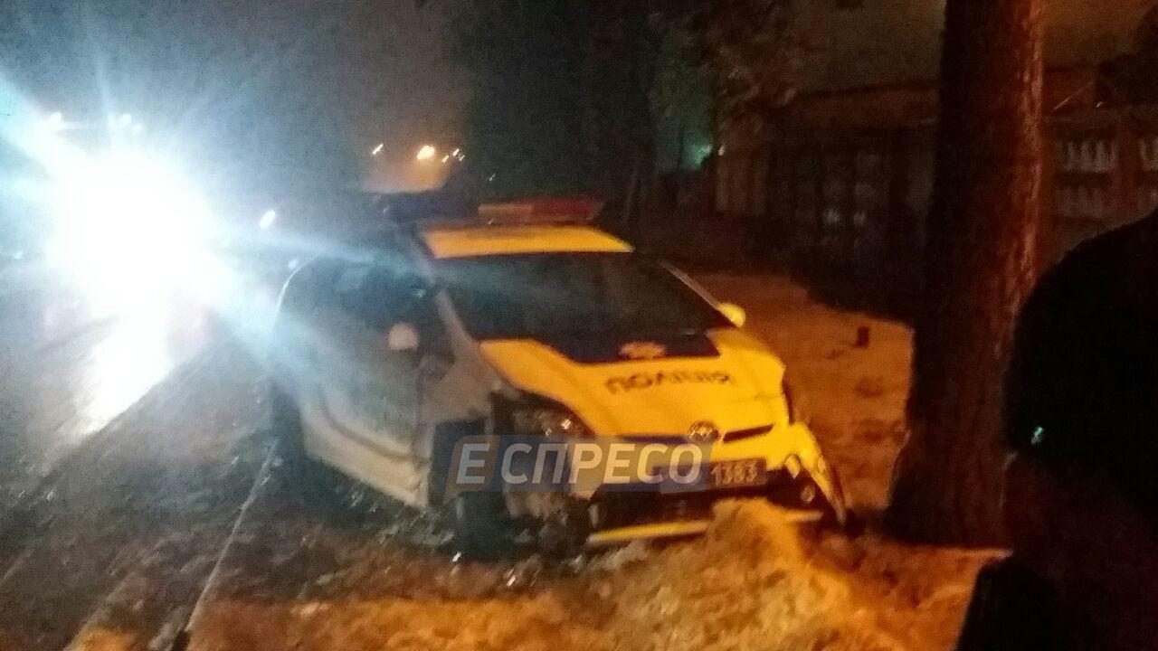 У Києві зіштовхнулися дві патрульних автівки_2