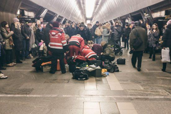 У Києві в метро померла 9-річна дівчинка - ЗМІ