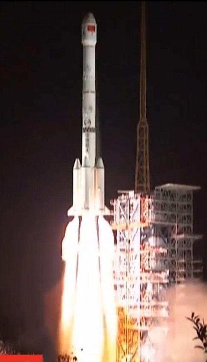 Китайці відрядили посадковий модуль і місяцехід для дослідження невидимого боку супутника