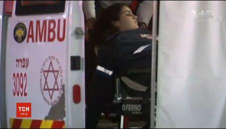 На Западном берегу реки Иордан неизвестные обстреляли автобусную остановку, есть пострадавшие