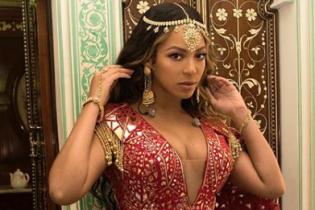 Роскошная Бейонсе устроила шоу на свадьбе дочери самого богатого человека в Индии
