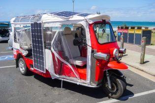 В Австралії створили електромоторолер на сонячних батареях