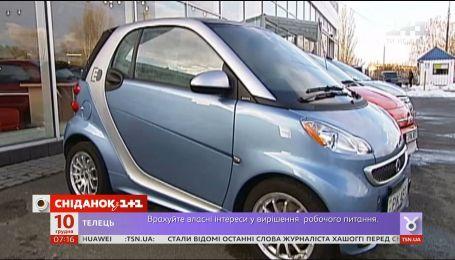 Все больше украинцев рассчитываются банковскими карточками и пересаживаются на электромобили