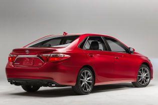 Автопарк Ради поповнили Toyota Camry на понад п'ять мільйонів