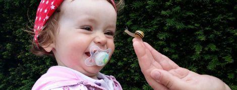 Батьки мають смоктати соску перед тим, як дати її дитині - американські лікарі