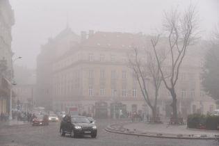 В Нацполиции напомнили, как вести себя водителю в туманную погоду