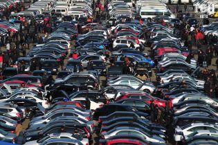 """Український ринок вживаних авто """"вибухнув"""" у листопаді. Стали відомі лідери"""