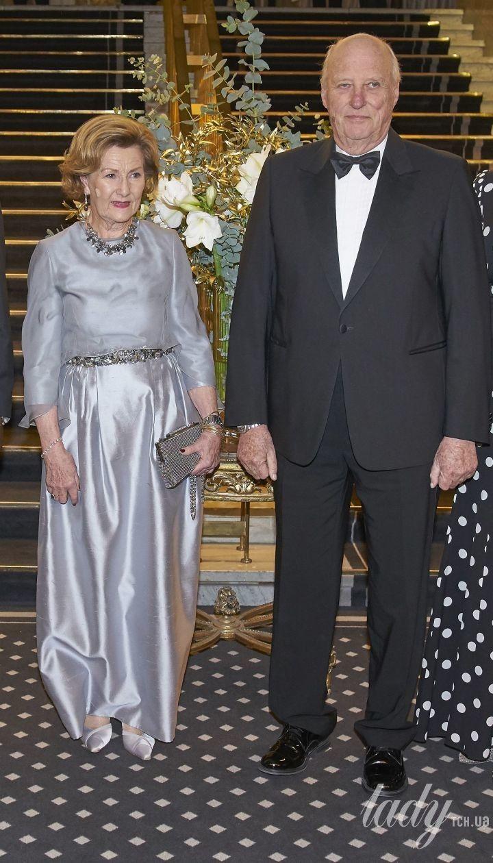 Эффектная королева Соня и элегантная кронпринцесса Метте-Марит на торжественном мероприятии