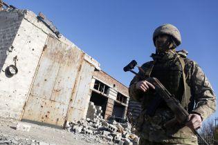 Доба на фронті: У Генштабі розповіли про стан пораненого бойовиками представника ДСНС