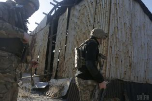 Украинские военные показали видео полного уничтожения позиции боевиков под Авдеевкой