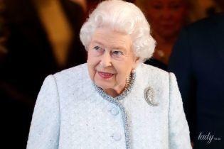 Ідеальна, навіть в об'єктивах папараці: королева Єлизавета II на вулицях Лондона