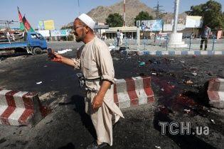 """Смертник """"Талибана"""" подорвал конвой афганских военных"""