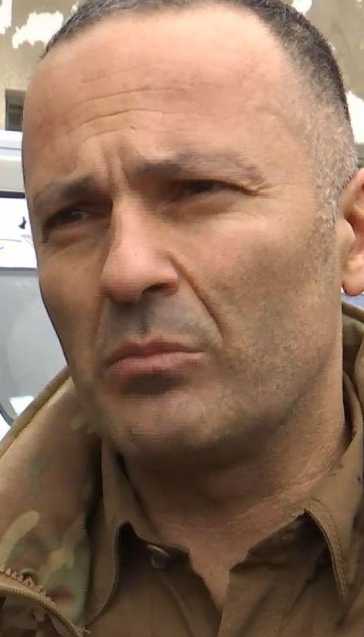 Врач-стоматолог из Ливана бесплатно лечит зубы украинским военным на фронте