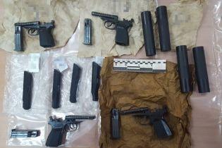 У Києві викрили банду торговців зброєю, до якої входив поліцейський