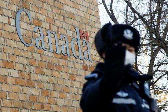"""Після затримання фіндиректорки Huawei у Китаї """"зник"""" вже другий канадець"""