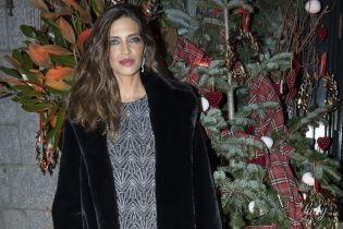В мини-платье и красивой шубе: Сара Карбонеро на вечеринке в Мадриде
