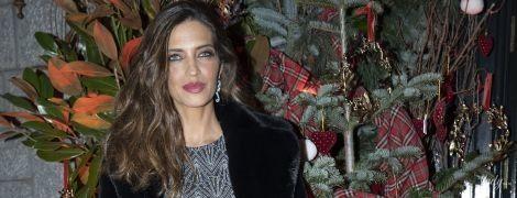 В міні-сукні та красивій шубі: Сара Карбонеро на вечірці в Мадриді