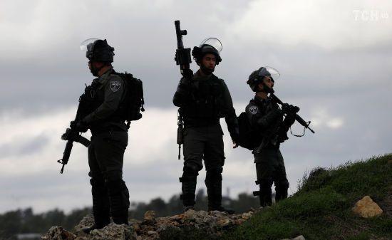 Палестинець обстріляв автобусну зупинку в Ізраїлі, є жертви