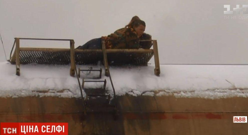 У Львові двох підлітків ударило струмом на залізничному вагоні