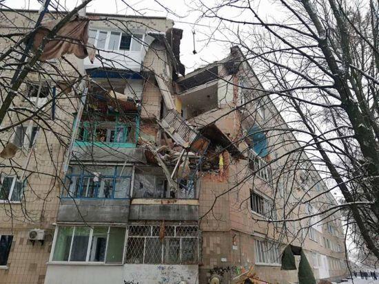 На Київщині стався вибух газу у будинку, зруйновано три поверхи