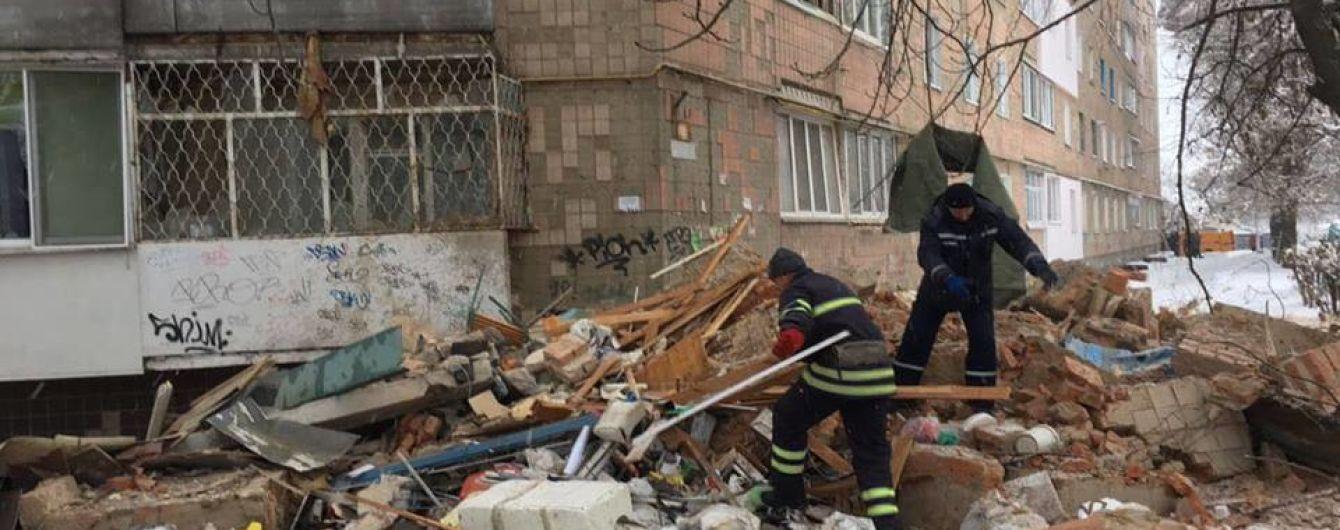 Взрыв в Фастове: спасатели достали из-под завалов тела двух погибших