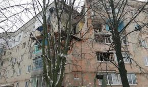 Знесені стіни та купи цегли: рятувальники показали наслідки вибуху у Фастові