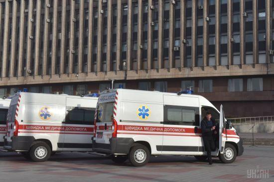 У Києві чоловік підірвався на невідомому предметі, який знайшов у парку - ЗМІ