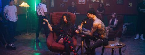 Надя Дорофеева и Позитив стали сверхлюдьми в новом огненном клипе