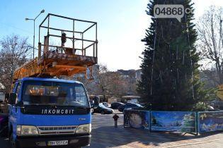 На Одесчине с главной елки города украли украшения
