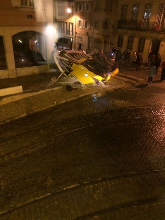 У Лісабоні з рейок зійшов трамвай. Десятки постраждалих