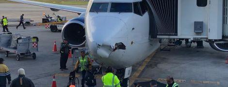 В Мексике дрон пробил дыру в пассажирском самолете, который шел на посадку