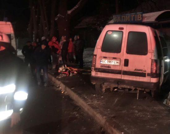 Смертельна ДТП на Львівщині: легковик на трасі врізався у вантажівку