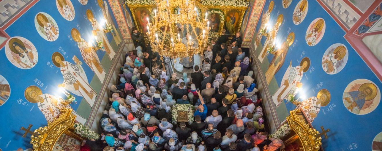 В Хмельницкой области священник УПЦ МП угрожает верующим из-за перехода к ПЦУ - митрополит