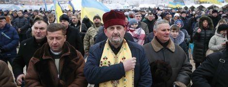 Тысячи людей пришли на Софийскую площадь, чтобы поддержать создание Поместной церкви в Украине