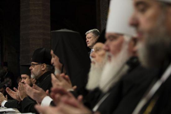 """""""Робимо останній крок до мети"""". Порошенко виступив з промовою під час Об'єднавчого собору"""