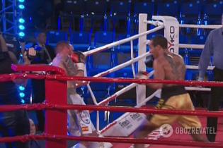 Украинский боксер техническим нокаутом победил испанца и одержал шестую победу в шести боях