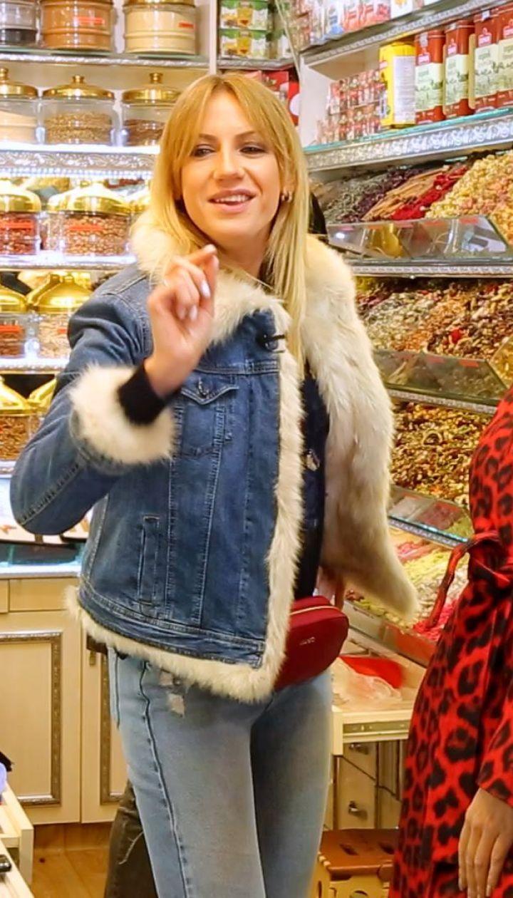 Як Леся Нікітюк у Туреччині з чоловіками загравала і на Гранд-базарі торгувалася