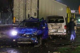 Аварія поблизу Києва: вантажівка протаранила шість автомобілів
