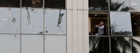 Возле одного из крупнейших телеканалов Греции произошел взрыв – в здании выбило окна и повредило помещение