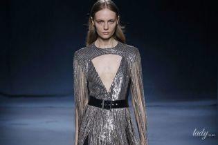 Глубокие вырезы и брюки с высокой талией: коллекция Givenchy сезона весна-лето 2019