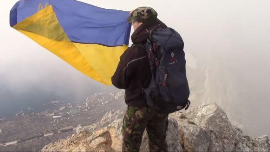 В Криму скоєно напад а кримськотатарського активіста