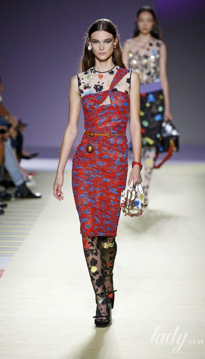 Коллекция Versace прет-а-порте сезона весна-лето 2019 @ East News