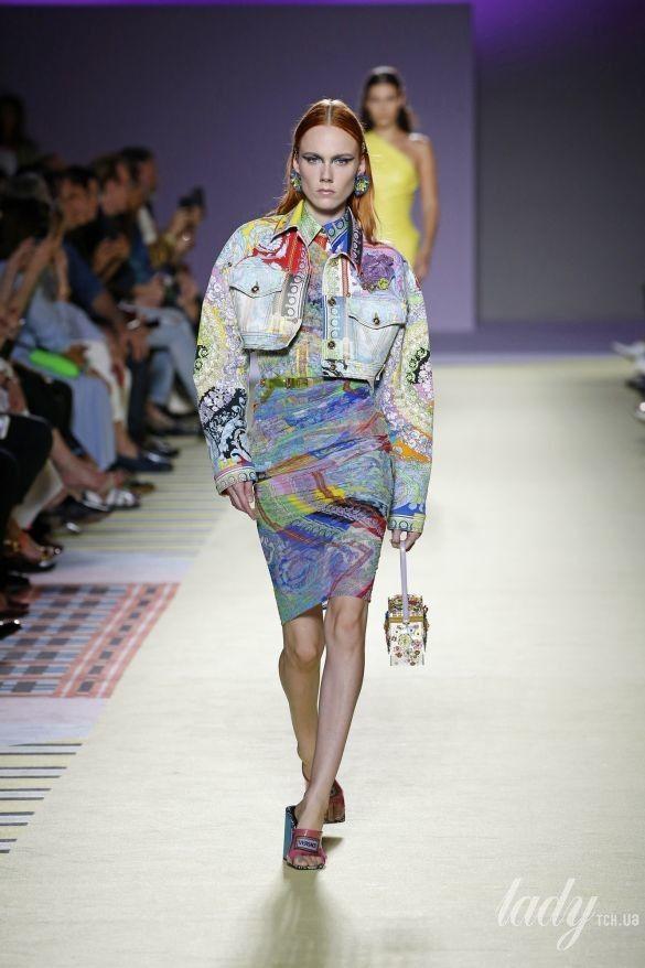 Коллекция Versace прет-а-порте сезона весна-лето 2019_35