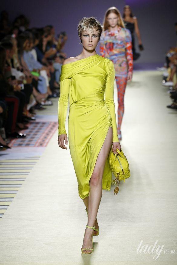 Коллекция Versace прет-а-порте сезона весна-лето 2019_38