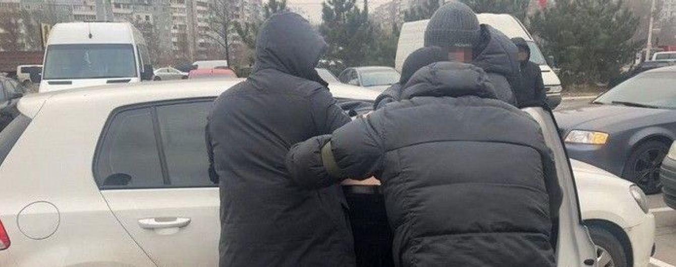 """Працівників воєнізованої охорони """"Укрзалізниці"""" спіймали на розкраданні майна та хабарництві"""