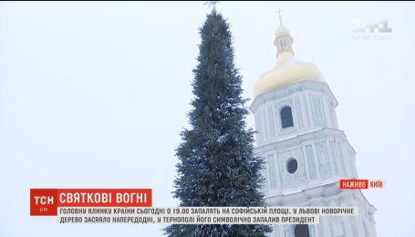 В Киеве готовятся к открытию главной новогодней елки