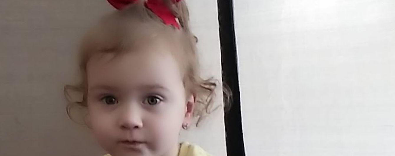 Десятки тысяч гривен могут подарить Веронике полноценное детство и жизнь