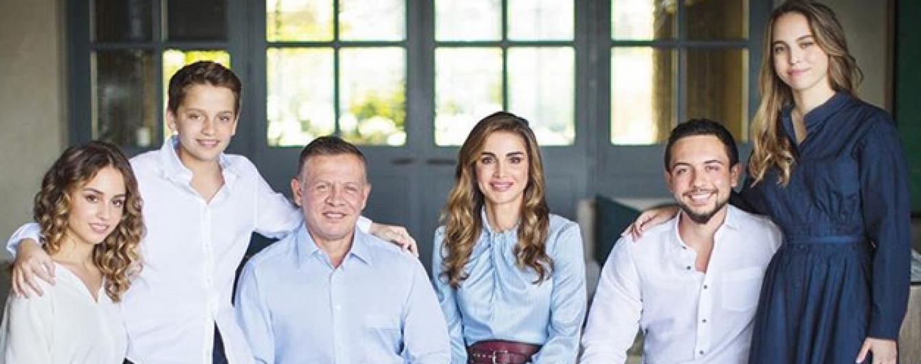 Счастливы вместе: королева Рания опубликовала милое семейное фото