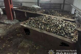 В Никополе на складе обнаружили 15 тонн детонаторов к снарядам